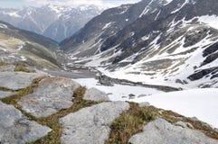 De Vallei van Oetztal met alpiene weg, Oostenrijk   Stock Fotografie