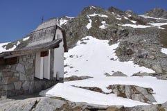 De Vallei van Oetztal met kapel, Oostenrijk Royalty-vrije Stock Foto's