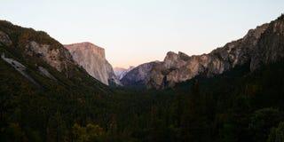 De Vallei van Yosemite bij de Mening van de Tunnel Royalty-vrije Stock Afbeeldingen
