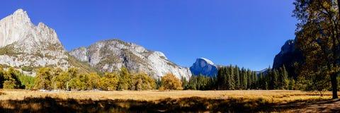 De Vallei van Yosemite bij de Mening van de Tunnel Stock Fotografie