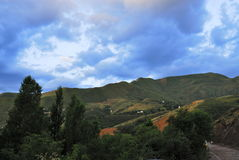 De valleilandschap van de Aksayrivier, Alma Ata, Kazachstan Royalty-vrije Stock Afbeeldingen