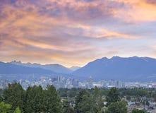De Vancôver cidade BC no por do sol fotografia de stock