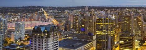 De Vancouver puente céntrico A.C. Cambie en la noche Fotos de archivo libres de regalías
