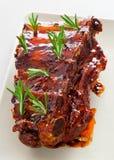 De varkensvleesribben, vertragen gekookt Stock Foto's