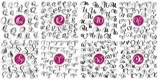 De vastgestelde brief Q, R, S, T, U, V, W, de getrokken vector van X Hand bloeit kalligrafie Manuscriptdoopvont Geïsoleerde die b vector illustratie