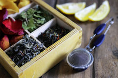 De vastgestelde thee houten doos nam toe Stock Foto's