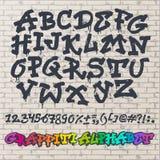 De vector alfabetische doopvont ABC van alfabetgraffity door borstelslag met letters en getallen of grunge alfabetische typografi Royalty-vrije Stock Foto's