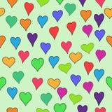 De vector kleurde valentijnskaart naadloos met krabbelharten - rood, sinaasappel, geel, groen, blauw, purper en violet Royalty-vrije Stock Afbeeldingen