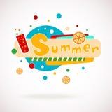 De vector kleurrijke woordzomer met glas van sap en oranje plakken en hand geschreven teksten (plakboek en graffitystijl) Stock Foto