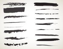 De vector Zwarte geplaatste borstels van de inktkunst De slagen van de Grungeverf vector illustratie