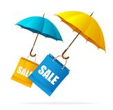 De vectoretiketten van de de lenteverkoop met paraplu's Royalty-vrije Stock Foto
