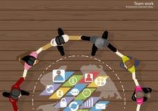 De vectorideeën van de de Zakenliedenuitwisseling van ideeën van het teamwerk die, hand in hand samen met een wereldkaart, pictog Stock Foto's