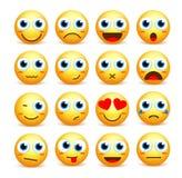 De vectorreeks van het Smileygezicht emoticons en pictogrammen in gele kleur stock illustratie