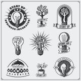 De vectorreeks van idee, de zaken, het concept en het project starten emblemen, pictogrammen, embleem en etiketten op royalty-vrije illustratie