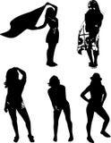 De vectorreeks zwarte silhouetten van meisjes in divers stelt, zich bevindt bij volledige hoogte op een witte achtergrond stock illustratie