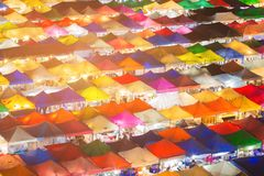 De veelvoudige bovenkant van het de marktdak van de kleurennacht Royalty-vrije Stock Afbeeldingen