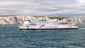 De Veerboot die van SeaFrance Dover nadert Royalty-vrije Stock Afbeeldingen