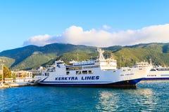 De veerboot op de Middellandse Zee stock afbeeldingen