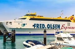 De Veerboot Uitdrukkelijke Bocayna, Fred Olsen Line, Playa Blanca Lanzarotte Royalty-vrije Stock Foto's