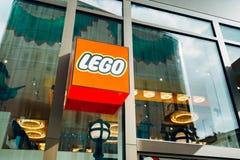 De vensters van de Legoopslag stock foto's