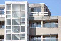 De vensters van een huis Stock Afbeelding