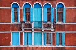 De vensters van Venetië, Italië Stock Foto's
