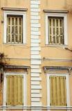 De vensters Venetiaanse bouw Royalty-vrije Stock Foto's