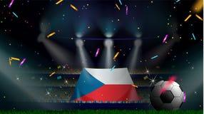 De ventilators houden de vlag van Tsjechische Republiek onder silhouet van menigtepubliek in voetbalstadion met confettien om voe royalty-vrije illustratie