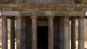 De verbazende mening van Ionisch-Colonnaded Garni-tempel in Armenië, godsdienst en toerisme stock fotografie
