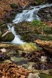 De verbazende watervallen in Janosikove Diery Stock Foto's