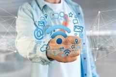 de verbinding van het wifisymbool door multimedia en Internet dat app wordt omringd Stock Fotografie