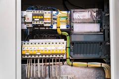 De verbinding van de open kringsraad of eletrical paneel in de moderne bouw royalty-vrije stock fotografie