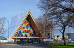 De Verbouwing van de Christchurchaardbeving - Karton Kathedraal Bevlekte Gl stock afbeelding