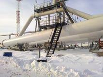 De verdeler van de eindfase is tubulair Materiaal om water van olie te scheiden Materiaalolievelden van Westelijk Siberië Stock Foto