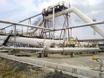 De verdeler van de eindfase is tubulair Materiaal om water van olie te scheiden Materiaalolievelden van Westelijk Siberië Royalty-vrije Stock Afbeeldingen