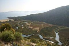 De verdraaiende rivier. stock foto's