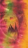 De veren van de pauw op batikachtergrond Stock Afbeeldingen