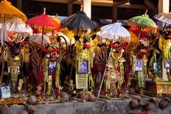 De verfraaide doodskist van overlijdt vóór de ceremoniecrematie, Nusa Penida, Indonesië royalty-vrije stock foto's