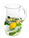 De verfrissende geïsoleerdeo drank van de waterkruik Stock Afbeelding