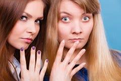 De vergelijking van meisjes met en zonder maakt omhoog royalty-vrije stock foto's