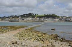 De verhoogde weg aan St Michael ` s zet, Cornwall op Royalty-vrije Stock Foto