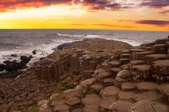 De Verhoogde weg van de reus, Noord-Ierland Stock Fotografie