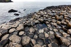 De Verhoogde weg van reuzen, Noord-Ierland stock fotografie