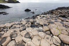 De Verhoogde weg van reuzen, Noord-Ierland stock afbeelding