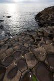 De Verhoogde weg van reuzen, Noord-Ierland stock afbeeldingen