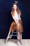 De verjaardag komt Het portret van de meisjesvakantie Royalty-vrije Stock Foto