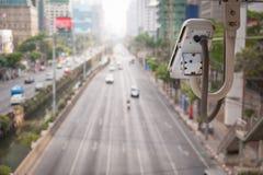 De verkeerscamera neemt het verkeer van voertuigen op een weg waar royalty-vrije stock foto