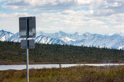 De verkeersteken van Alaska op Glenn Highway Royalty-vrije Stock Afbeelding