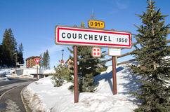 De verkeersteken van Courchevel, Frankrijk stock afbeeldingen