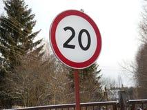 De verkeersteken van de snelheidsbeperking Stock Foto's